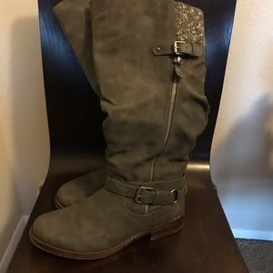 Tall Gray Boots - Size 10